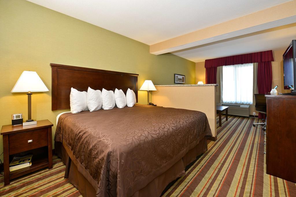 BW-Guestroom-2