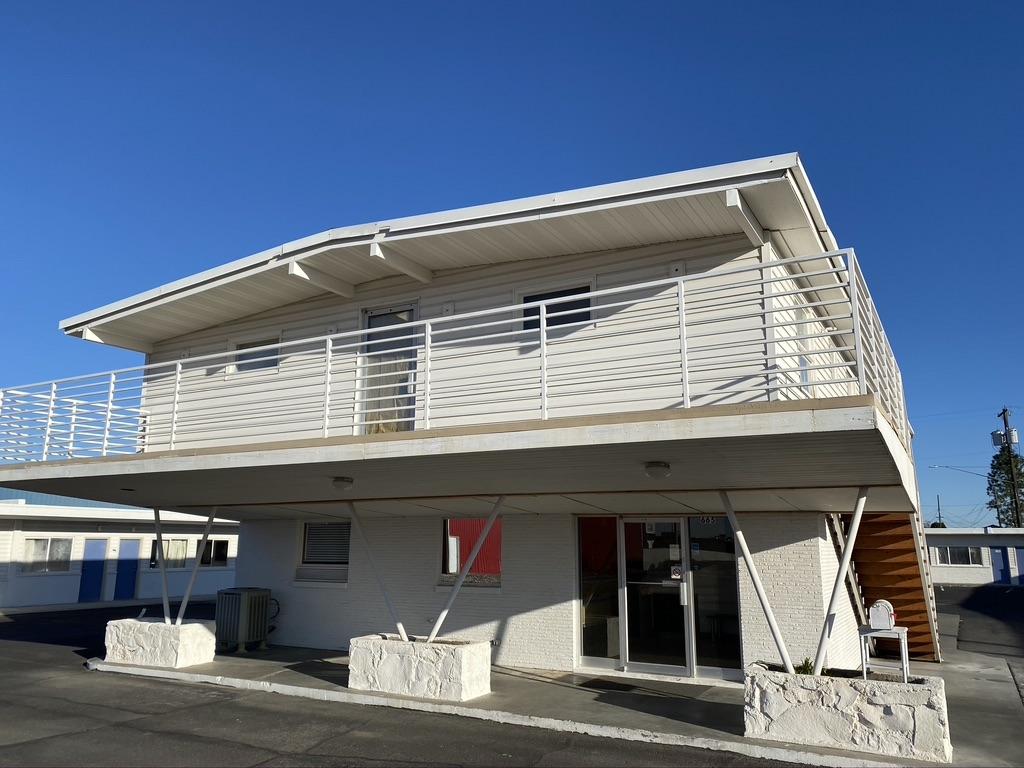 Cabana-Motel-Entrance-1