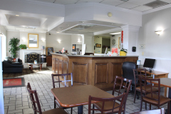 Econo-Lodge-Lobby-2